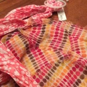 Thirty-one scarf
